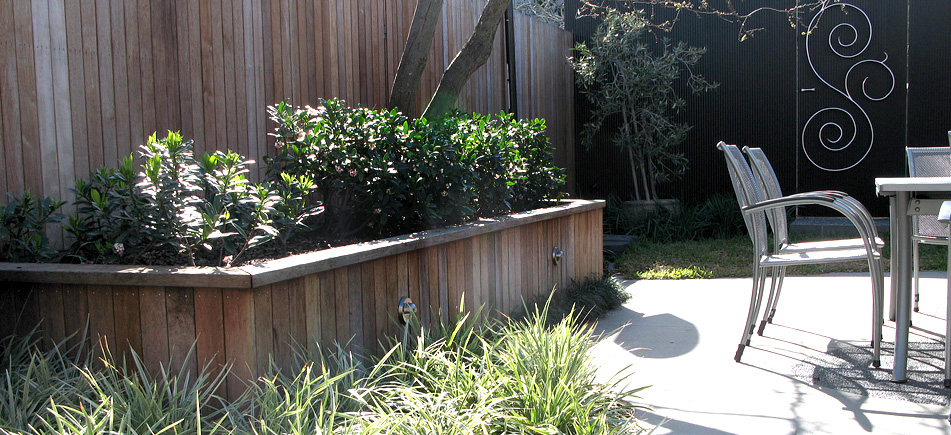 portfolio clifton hill  clifton hill timber retaining wall